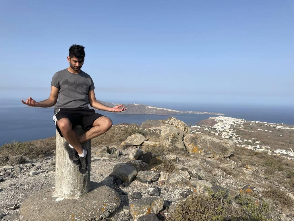 Pavan Kareer on high on the Imerovigli-Oia trail